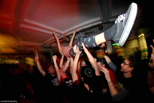 07 - Stage Diving